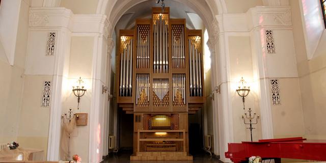 Alexandrovskij-kostel2